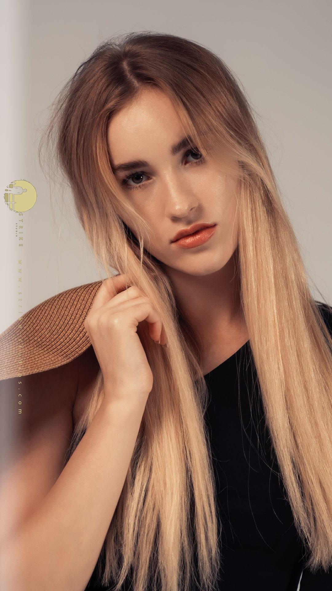 Models hostess in Qatar company Anastasia